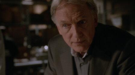 Watch Lockdown. Episode 5 of Season 13.